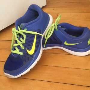 Nike Flex Trainer 3 Cross Trainer- Violet/Volt